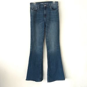 Medium wash flared  jeans ON size 6 tall